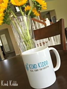KK mug basic white on table b